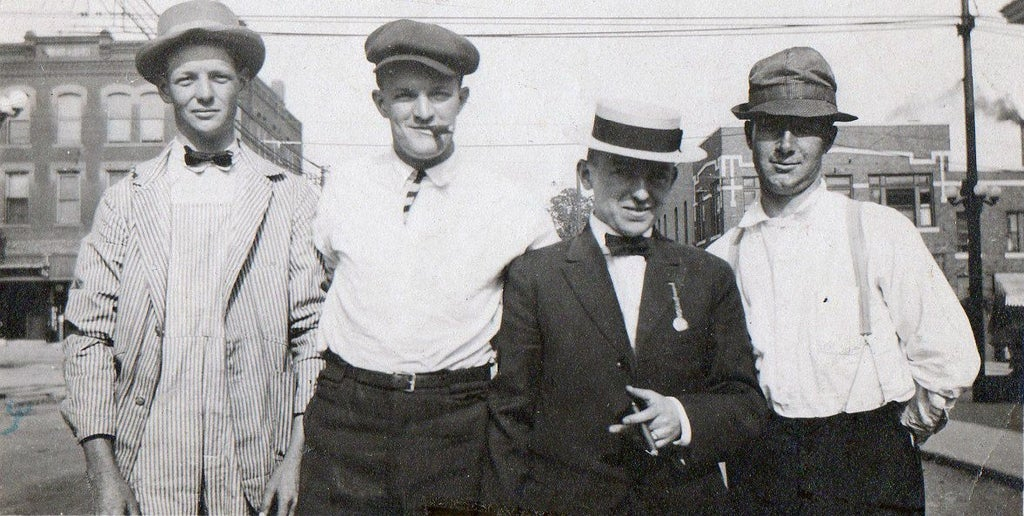 Irish Immigrants posing with their cigars in New York