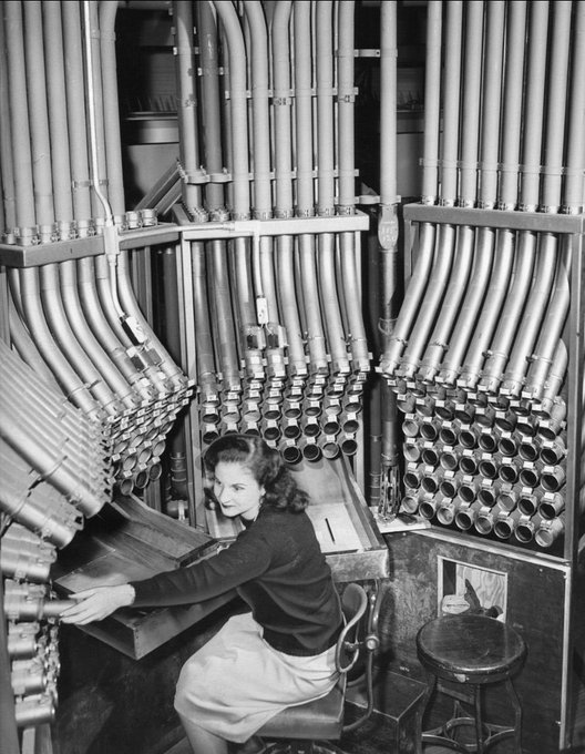 A click of pneumatic tubes of 1860s